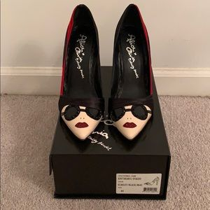 Alice and Olivia Stacey Face Pumps